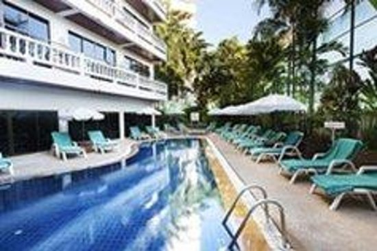 Inn Patong Beach Hotel Phuket: Swimming Pool