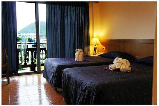 Inn Patong Beach Hotel Phuket: Superior Room Twin Bed