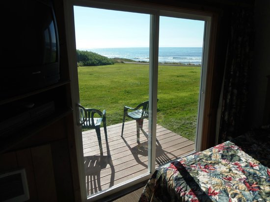 The Yachats Inn: our own private verandah
