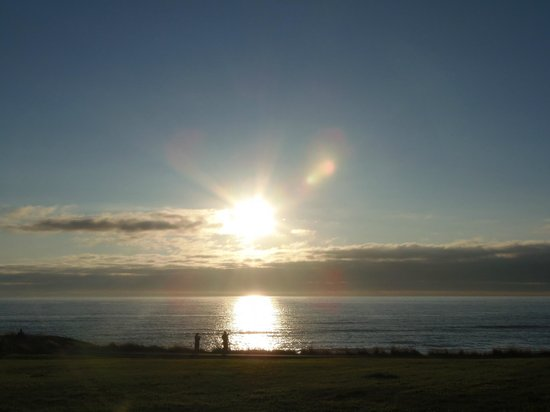The Yachats Inn: sunset from the verandah