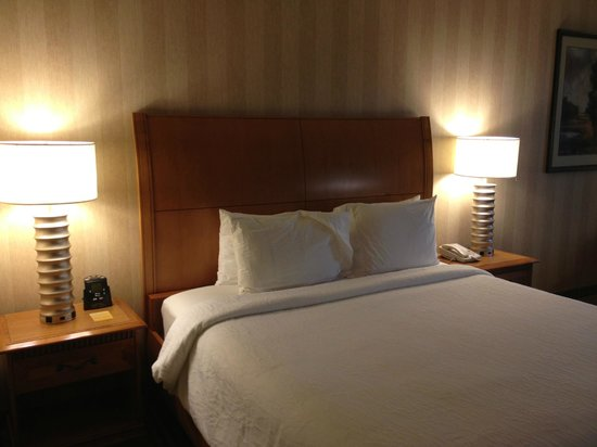 Hilton Garden Inn Bend: Bed
