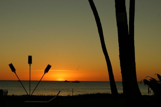 Maalaea Surf Resort: Sunset from the lanai of unit C-4, Maalaea Surf