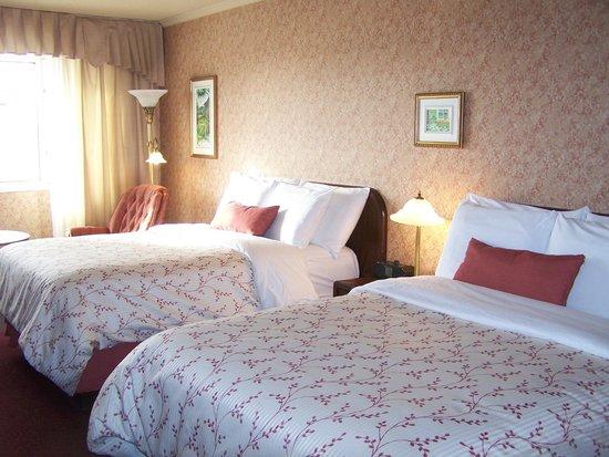 Hotel Rimouski: Notre chambre, propre et très confortable