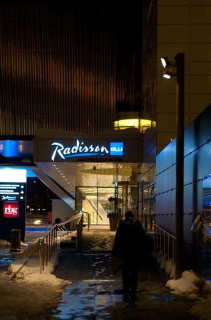 Radisson Blu Waterfront Hotel : Entrance