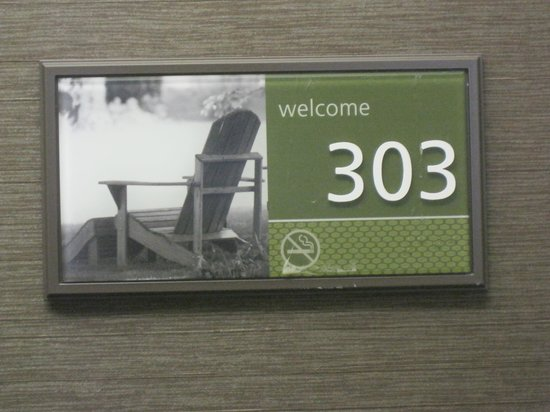 Hampton Inn and Suites Chicago/Lincolnshire:                   room number