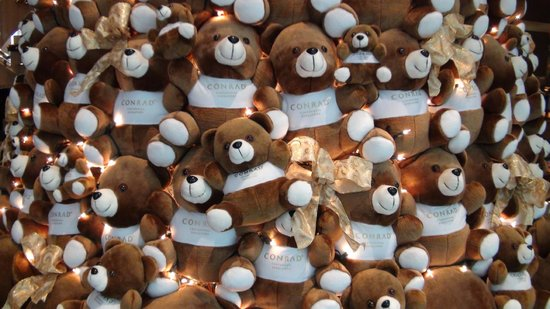 Conrad Centennial Singapore:                   Tree of Bears