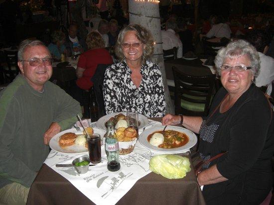 La Tramoya: Dinner with a good friend.