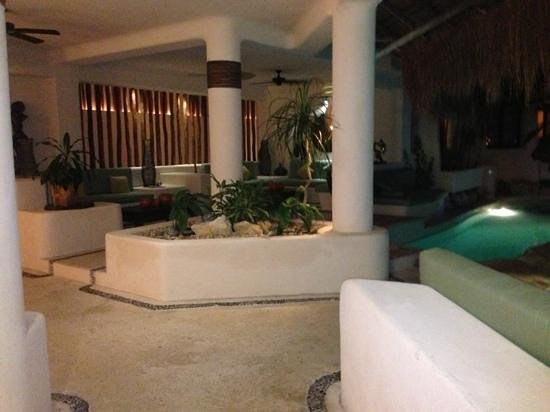 La Tortuga Hotel & Spa :                   view of common area from bar