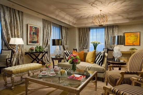 Hotel Mulia Senayan: The Earl Suite - Living Room