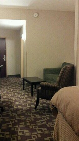 Comfort Suites:                   lots of space