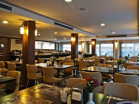 Riva Hotel Taksim Terrace Restaurant