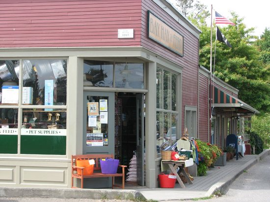 Skiff Point Guest House: Local Rolling Bay Market - Historic