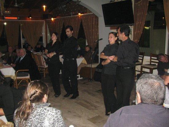 White Lady Family Taverna: WINTER SYRTTAKI SHOW