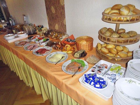 Ruthmann Hotel: Reichhaltiges Frühstücksbuffet