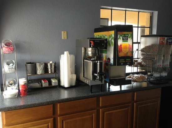 Palace Inn - Channelview: Breakfast Area