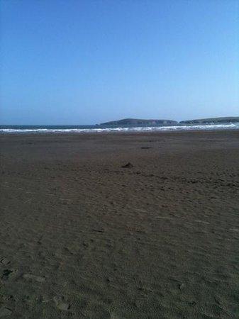 Poppit Sands Beach: poppit sands