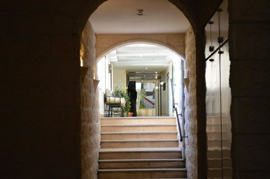 Mount Zion Hotel:                   Hotel hallway / decor