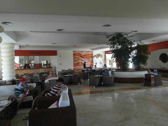 Secrets Royal Beach Punta Cana:                   Foyer