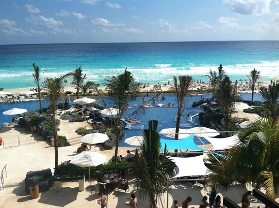 Hard Rock Hotel Cancun: Awesome Pool