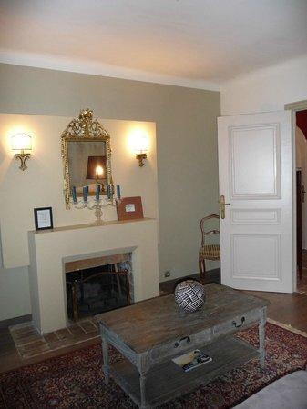 Domaine Pins Paul:                   Saint Sulpice