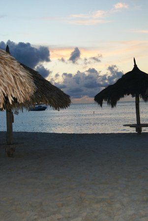 Hyatt Regency Aruba Resort and Casino:                   Beautiful beach
