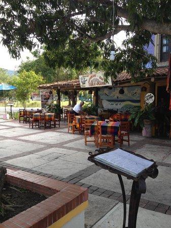 Tequila y Salsa Brava: entrance