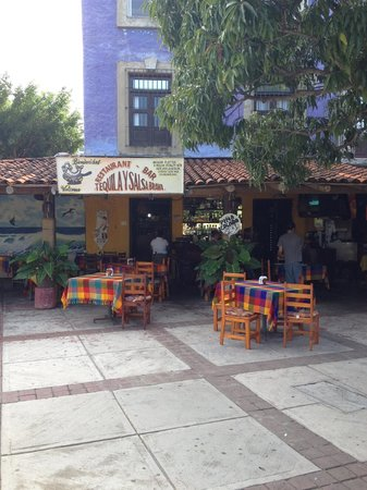 Tequila y Salsa Brava: by Los Patios