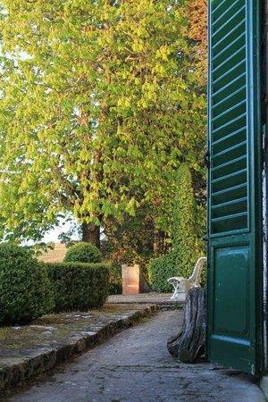 Villa Le Barone:                   Front entry