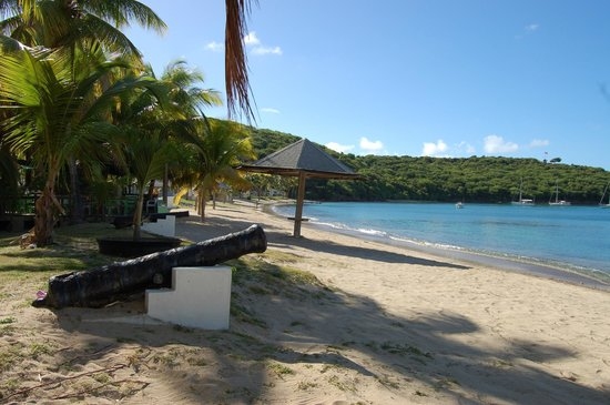 Blue Moon Antigua: Galleon Beach at Freemans Bay below Blue Moon villa