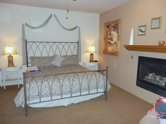 Alma de Sedona Inn Bed & Breakfast: Athena