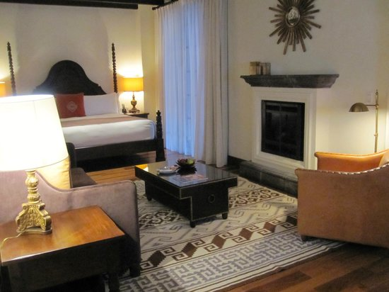 Rosewood San Miguel de Allende: Huge room -or was it a suite?