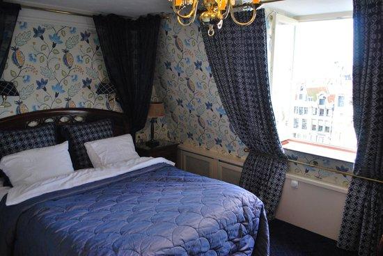 Hotel Estherea:                   514