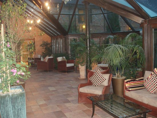 Grosvenor Pulford Hotel & Spa:                   Conservatory (some rooms open from this)