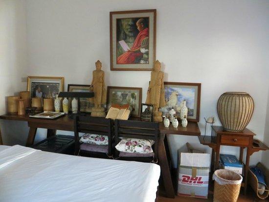 Baan Klang Vieng Hostel :                   bedroom