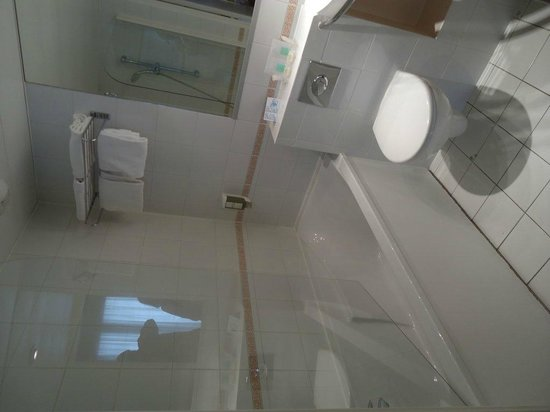 Fertel Maillot : The bathroom1
