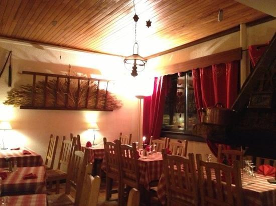 le charbon de bois les 2 alpes restaurant avis photos tripadvisor. Black Bedroom Furniture Sets. Home Design Ideas