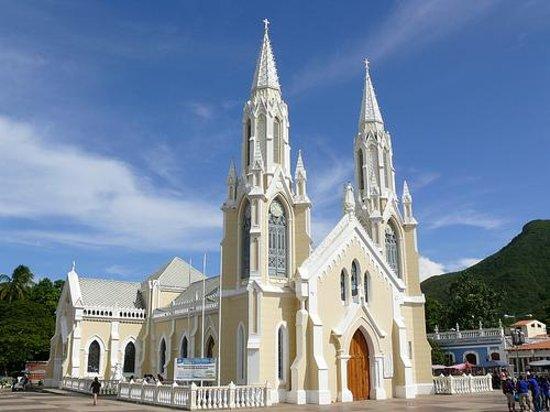 Basílica Virgen del Valle:                   The Basilica.