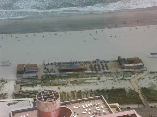 Bally's Atlantic City: View of beach and Sammy's Bar.