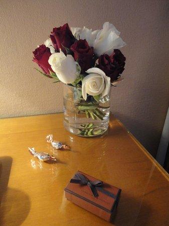 Hotel des Arts - Montmartre: Flowers