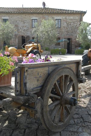Agriturismo Podere Il Moro: Il Casale !