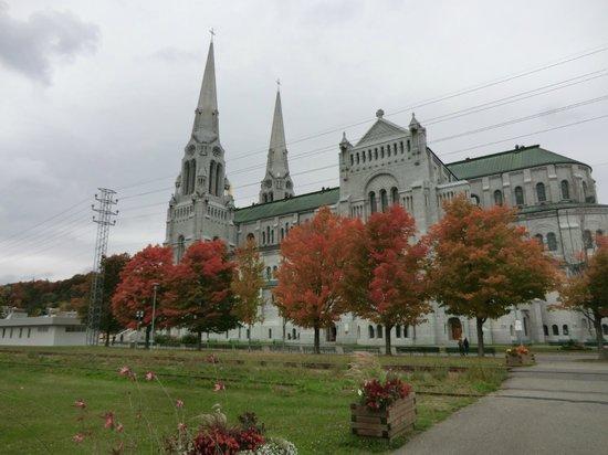 Sanctuaire Sainte-Anne-de-Beaupre: Basilica