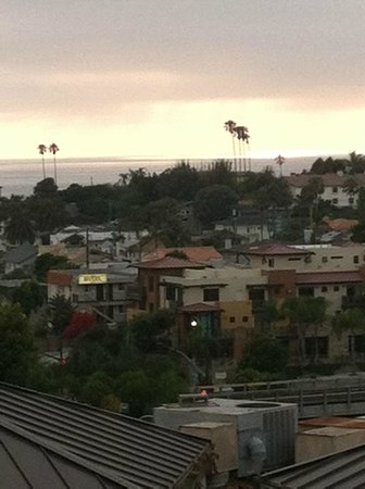 BEST WESTERN Encinitas Inn & Suites at Moonlight Beach:                   Great over look of Encinitas and the ocean