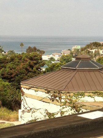 Best Western Encinitas Inn & Suites At Moonlight Beach:                   View of ocean