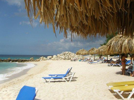 Floris Suite Hotel - Spa & Beach Club:                   Private beach access at Hilton