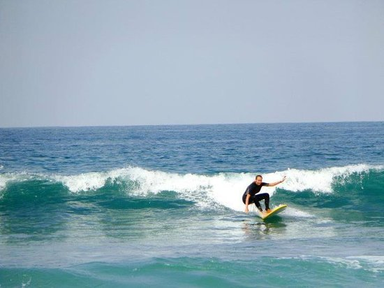 Moonlight Beach: grab a board and learn to surf guys !