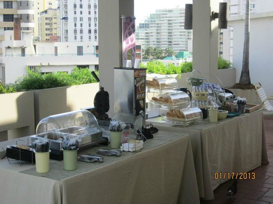 Quality Inn El Portal:                   The Continental Breakfast