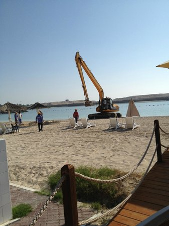 InterContinental Abu Dhabi:                   Digger on the beach