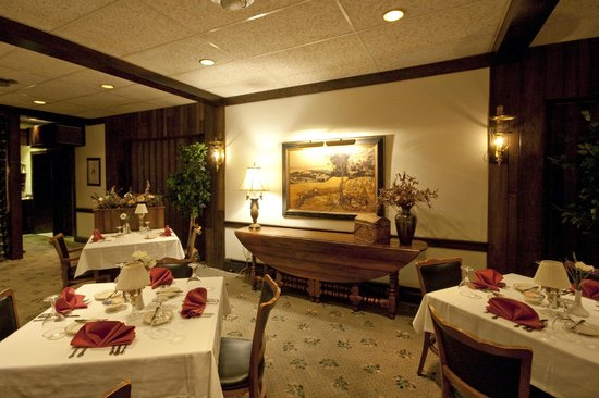 Crescent Lodge & Country Inn: Crescent Lodge Restaurant