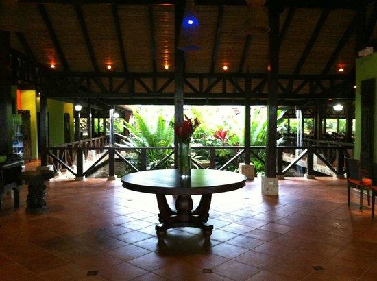 Rio Celeste Hideaway Hotel: Hotel Lobby/Entrance