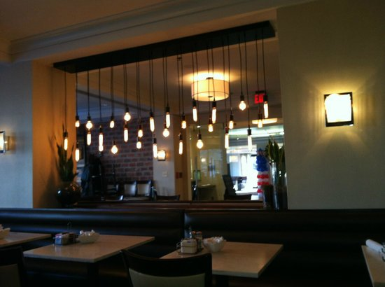 Courtyard by Marriott Washington Embassy Row: Restaraunt